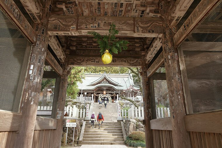 筑波神社の山門