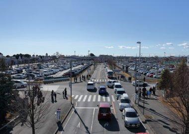 佐野アウトレット・駐車場の全景