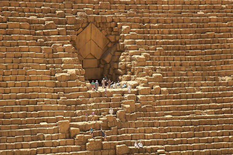 ピラミッドのミニュチュアのアップ
