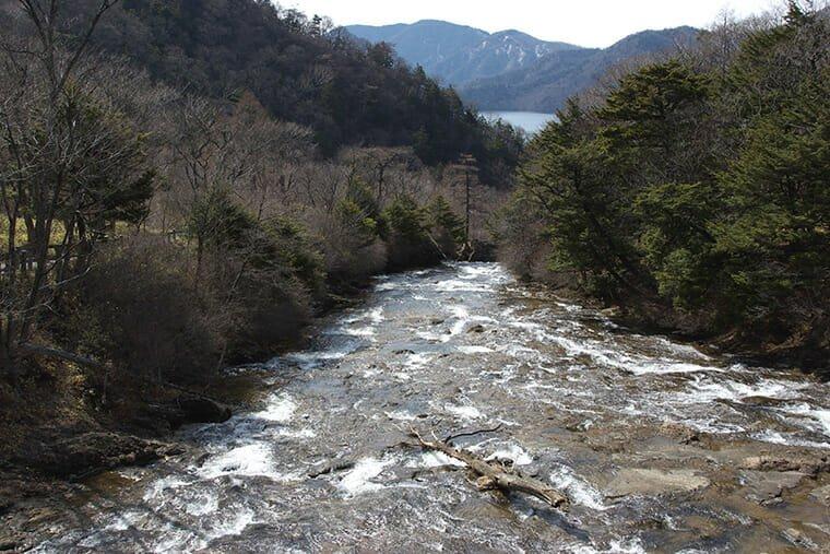 湯川と中禅寺湖