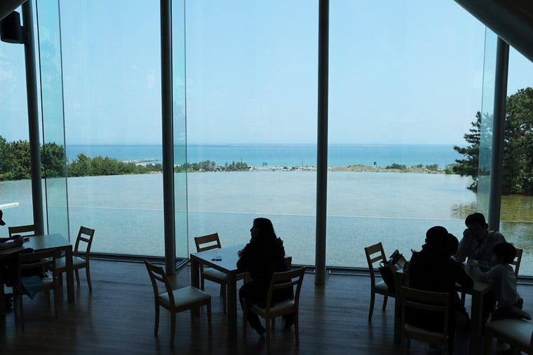 ひたちなか海浜公園のカフェテラス
