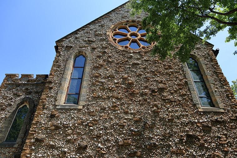 那須ステンドグラス美術館の教会部分の外観