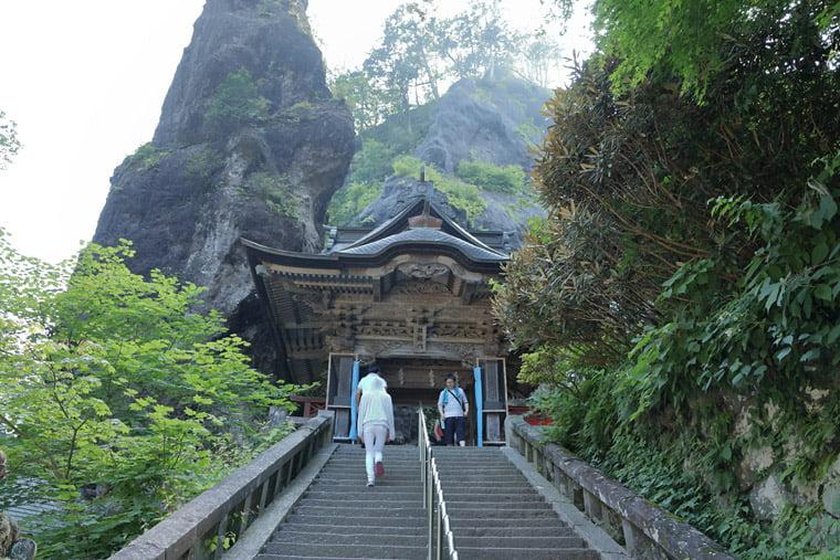 榛名神社の双龍門