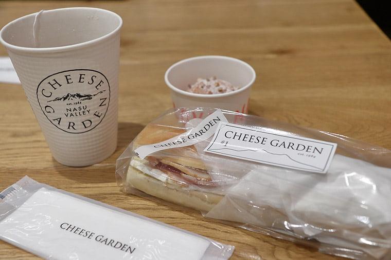 チーズガーデン 那須本店のカフェスペース