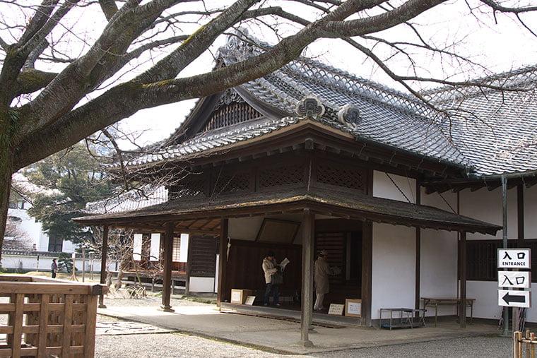 弘道館の表玄関