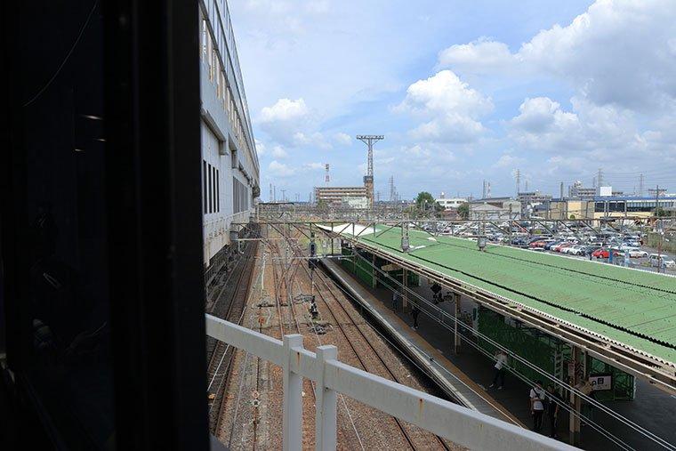 小山駅から在来線乗り場を望む