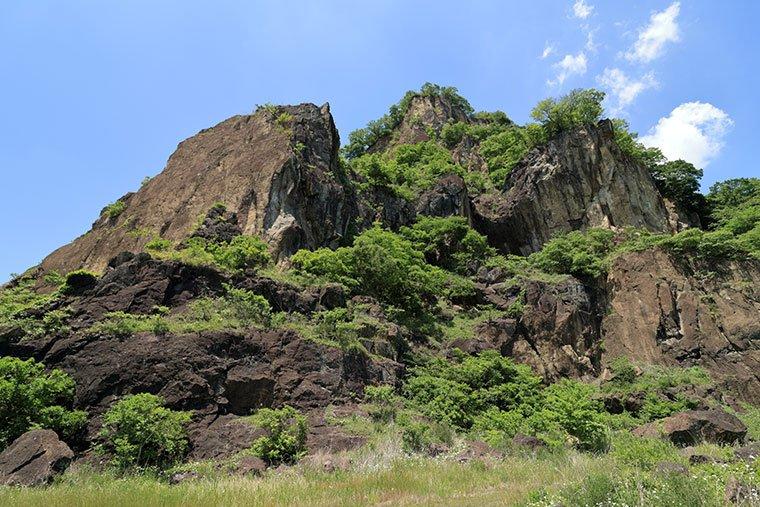 岩船山の岩肌