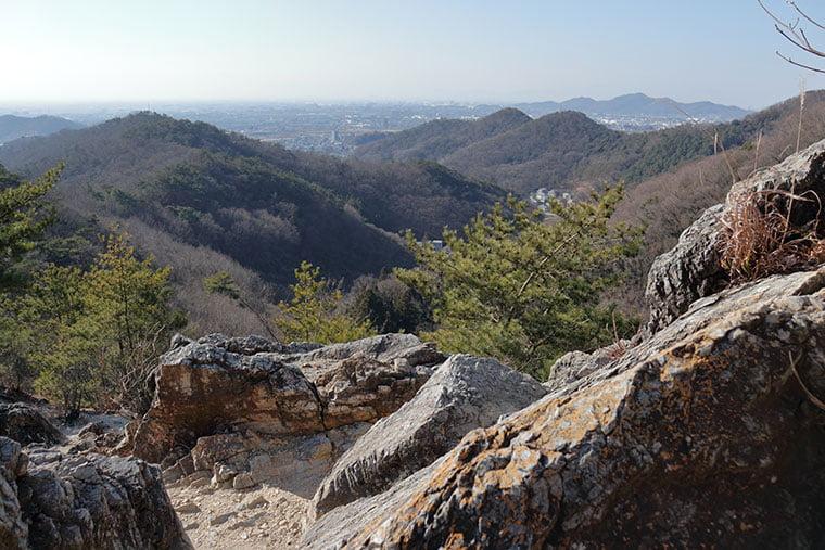 両崖山の山道
