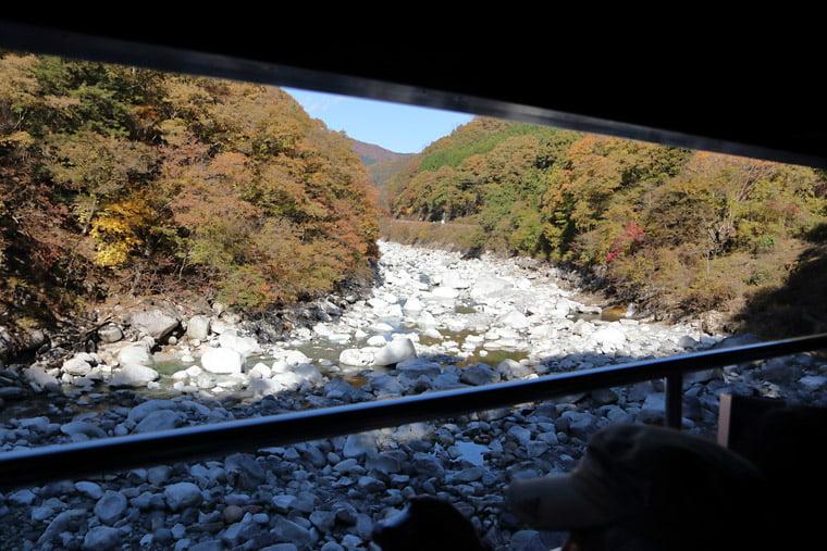 わたらせ渓谷鐵道からの渡良瀬川