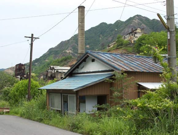 本山製錬所の煙突