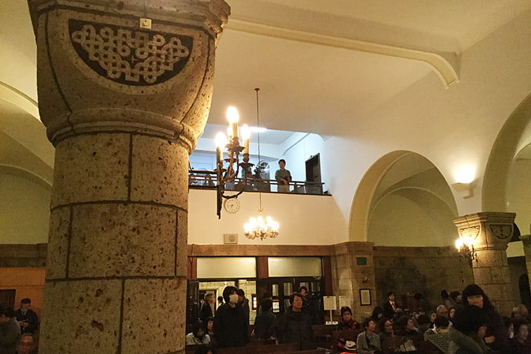 カトリック松が峰教会の聖堂内