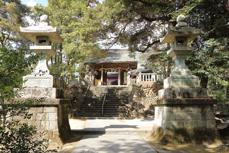 唐澤山神社の正面