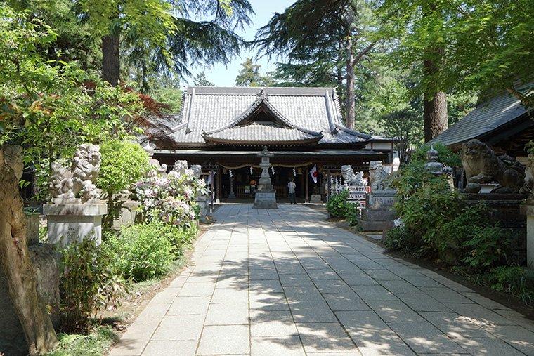 大宝八幡宮の境内と拝殿