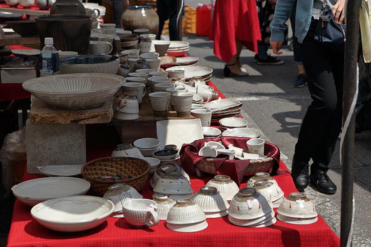 益子陶器市の」販売風景