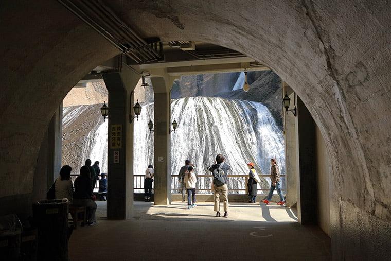 袋田の滝のトンネル