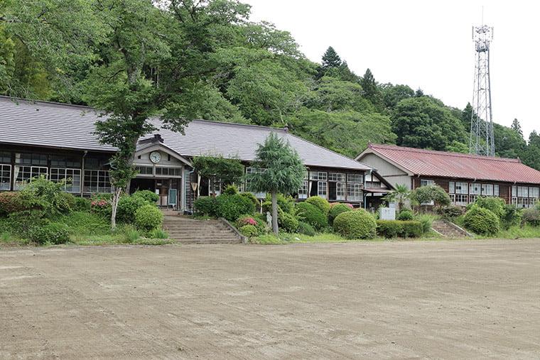 旧上岡小学校の外観