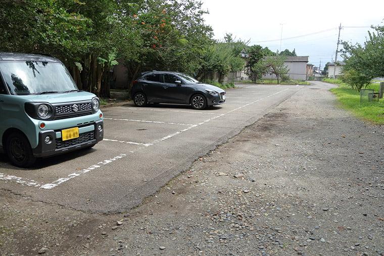 那須国造碑(笠石神社)の駐車場