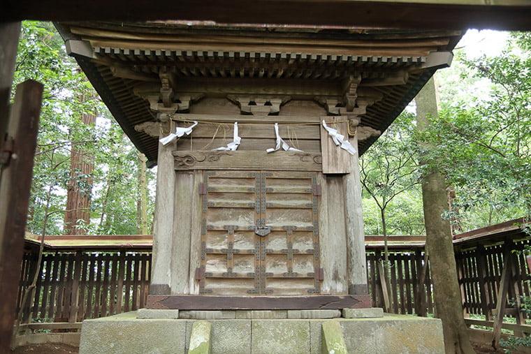 那須国造碑のお堂