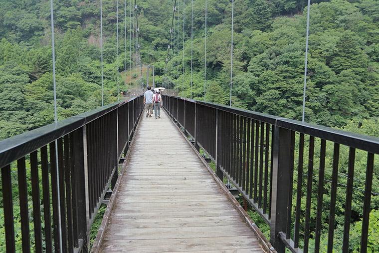 鬼怒楯岩大吊橋の橋上