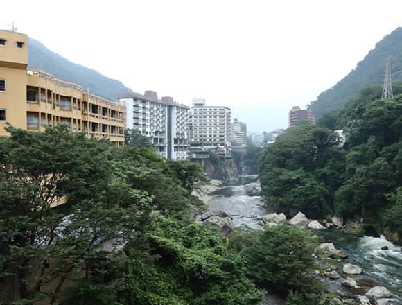 鬼怒川温泉街の風景