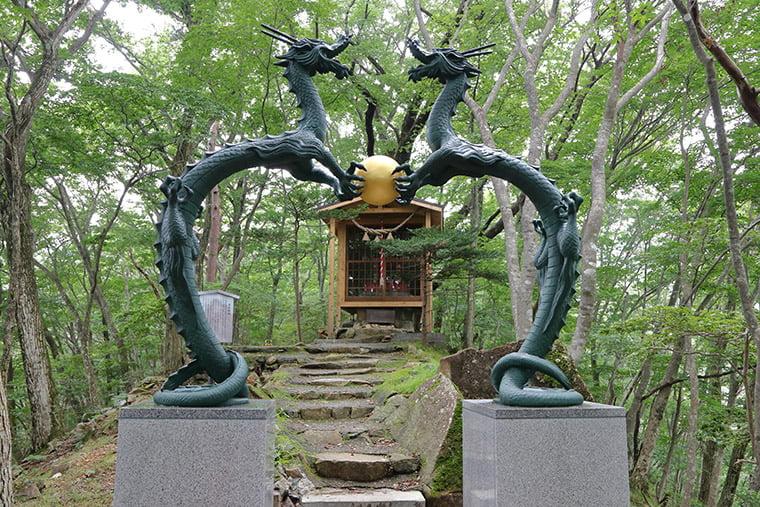 双龍門と温泉神社
