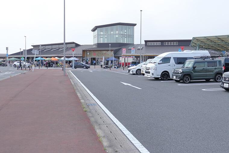 道の駅まくらがの里こがの駐車場