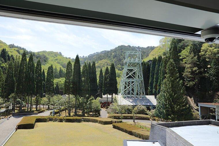 日鉱記念館の中庭